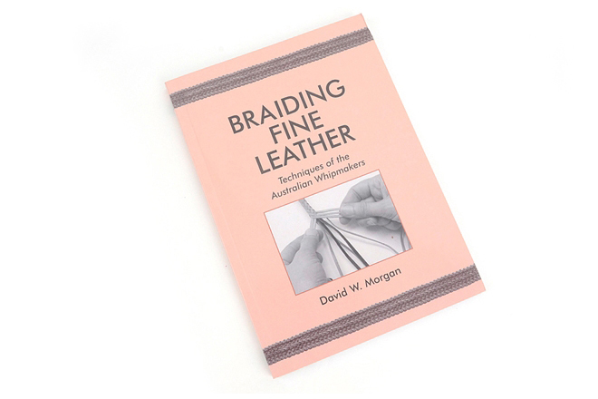 Braiding Fine Leather가죽 꼬기의 기술Tandy Leather Factory